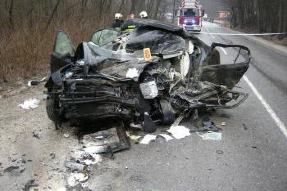 Smrtelná nehoda na ceste I/18 medzi Bytčou a Makovom.