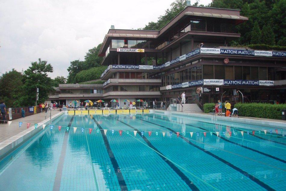Plavci UMB opäť úspešne reprezentovali: V Karlových Varoch získali 42 medailí