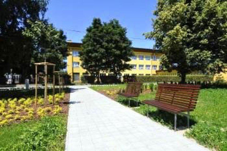 Vo Veľkej Lomnici ukončili projekt revitalizácie centra