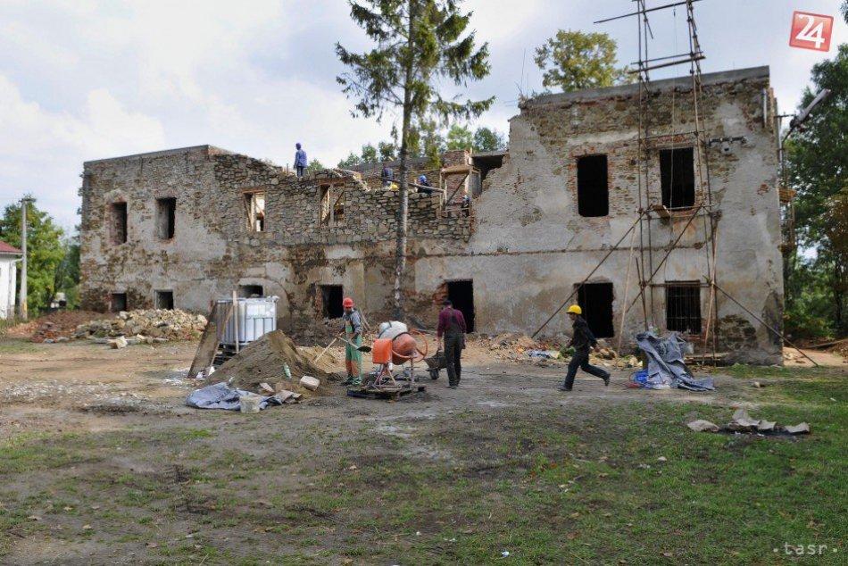 Nadšenci v Toporci chcú zachrániť kaštieľ. Práce majú vyše hlavy
