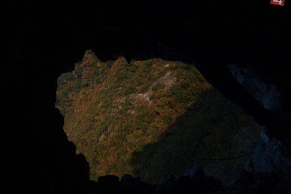 Pohľad zo Starhradu na kolorit okolitej krajiny