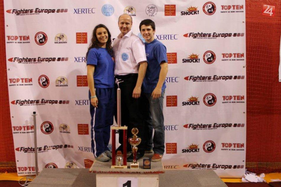 Odhodlaní víťaziť: Humenskí kickboxeristi zahviezdili na turnaji v Prahe