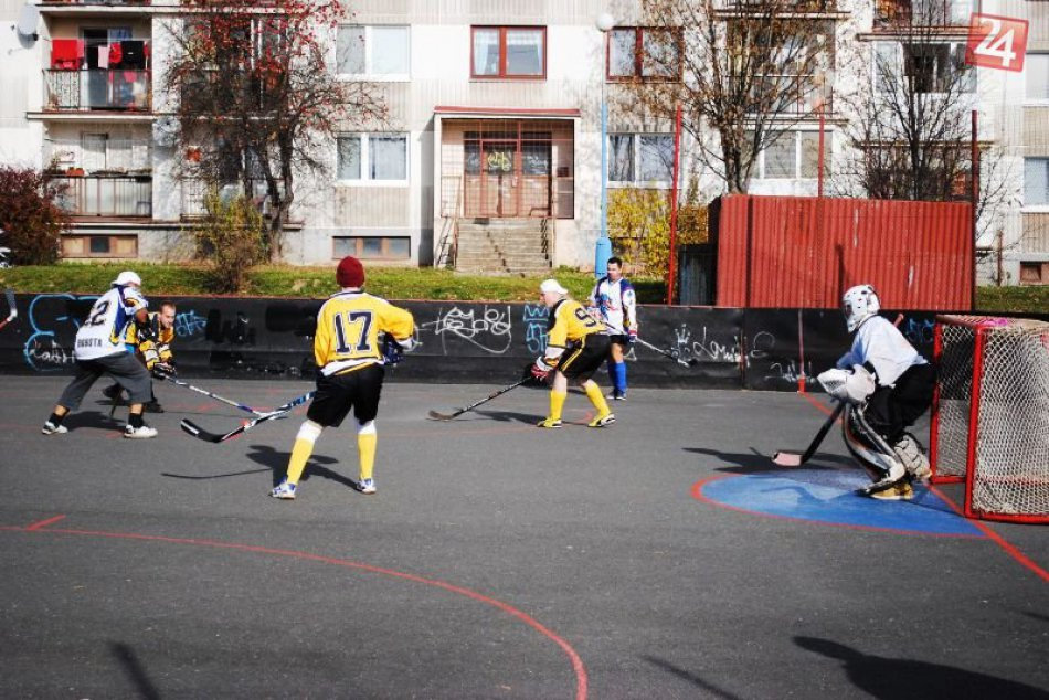 Jesenná časť hokejbalovej ligy skončila