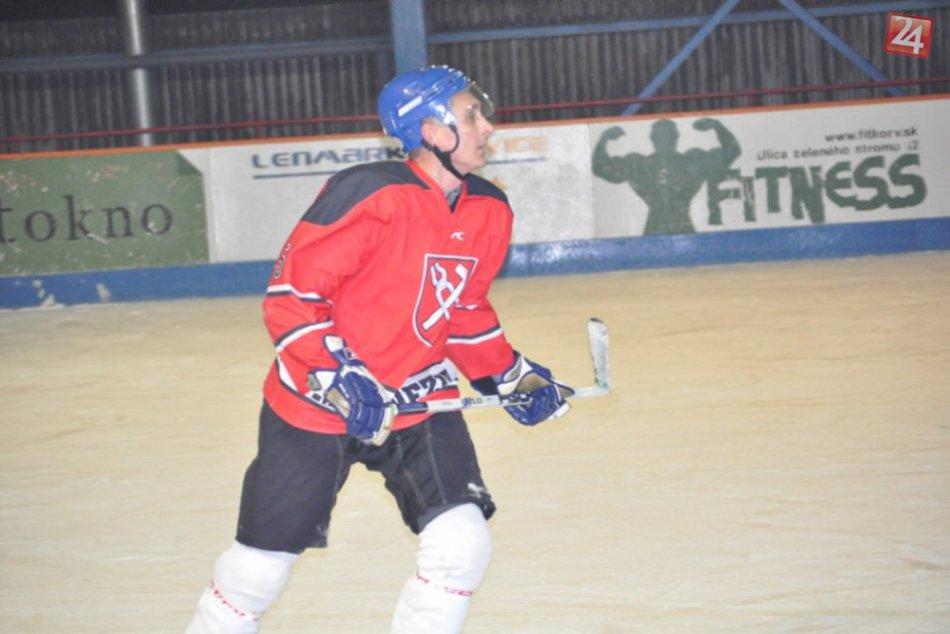 V prvom kole hokejovej ligy sa s gólmi roztrhlo vrece