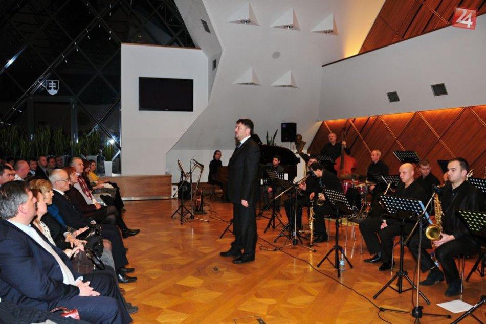FOTO: Novoročný koncert v Bystrici: Divákom priniesol nezabudnuteľný umelecký zá