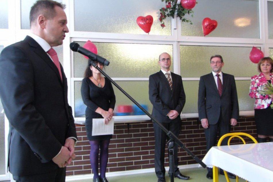 Najväčšia popradská škola sa rozlúčila s dlhoročným riaditeľom. Primátor mesta v