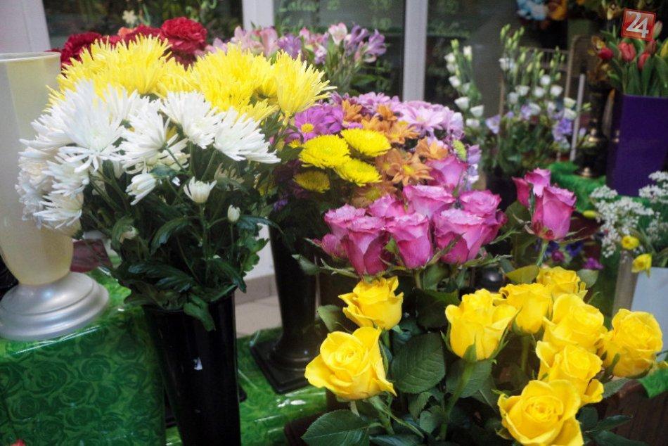 Pekné kvety potešia každú ženu