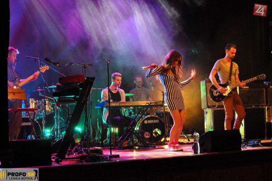 Michalovčanka Nika Karch má za sebou úžasnú spoluprácu so svojím speváckym vzor
