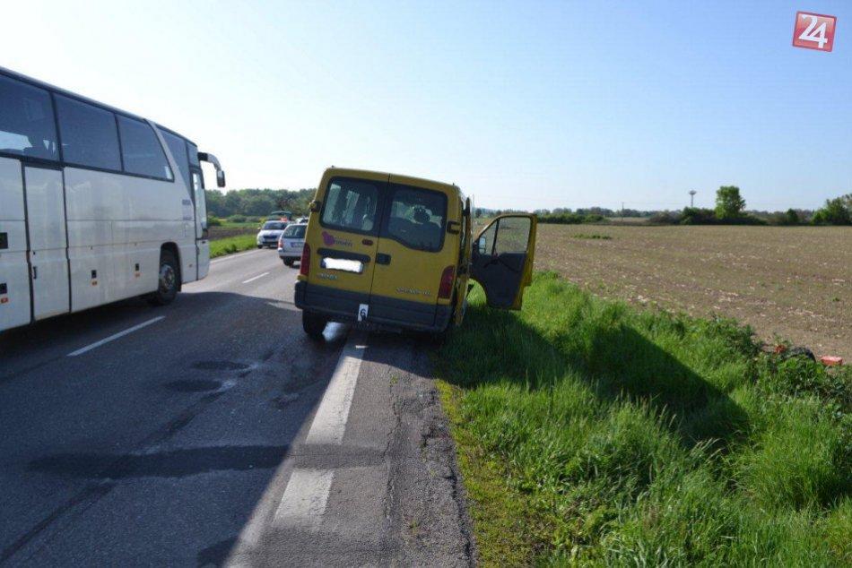 Zrazenú srnu odhodilo do protismeru: Tam do nej vrazil ďalší šofér a do toho zas