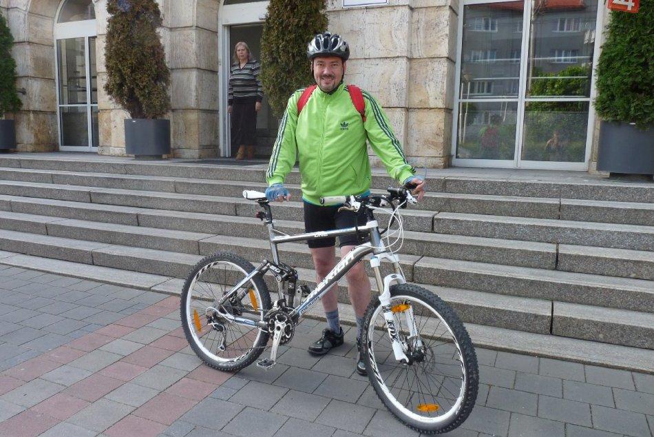 Primátor Banskej Bystrice Peter Gogola na bicykli