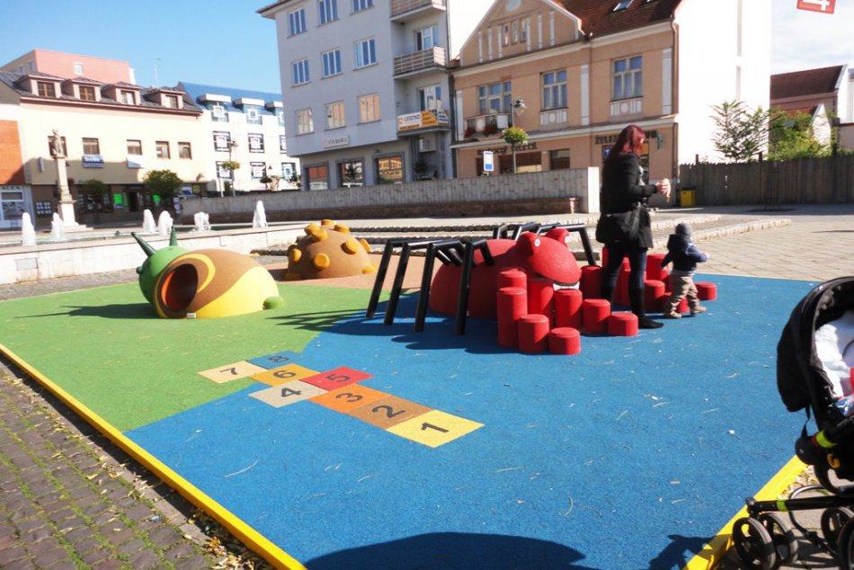 Nové detské ihrisko v Topoľčanoch