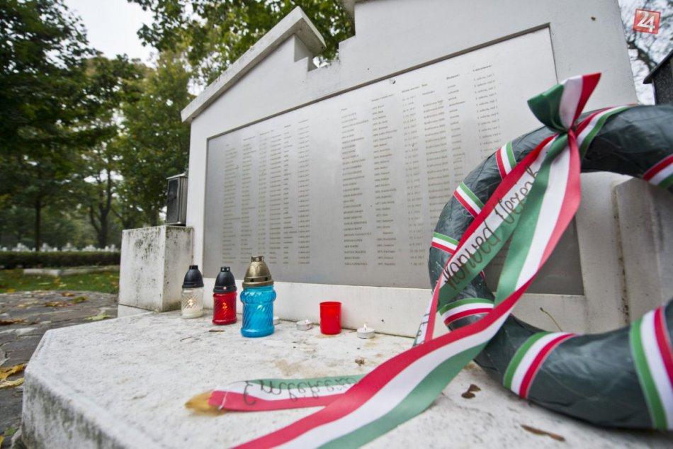 Na cintoríne v Kopčanoch si uctili vojakov, ktorí padli v prvej svetovej vojne