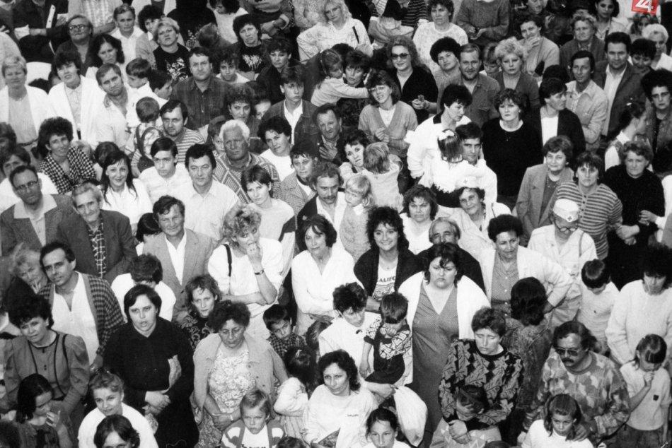 Topoľčany v roku 1989 a po revolúcií