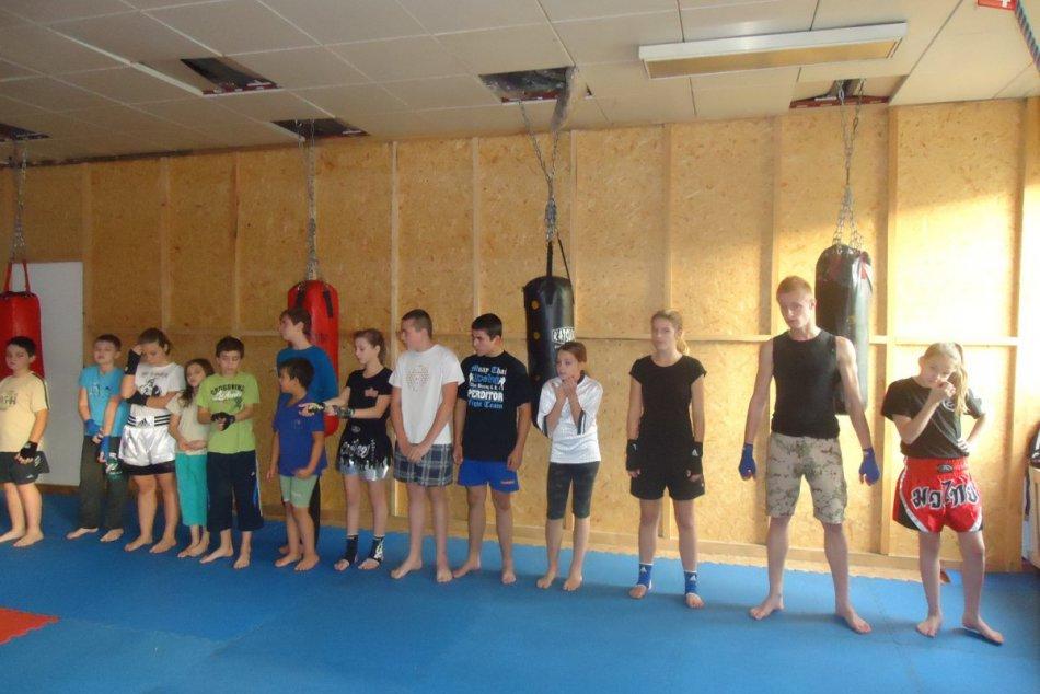 Mladí revúčania dokázali, že kickbox ovládajú