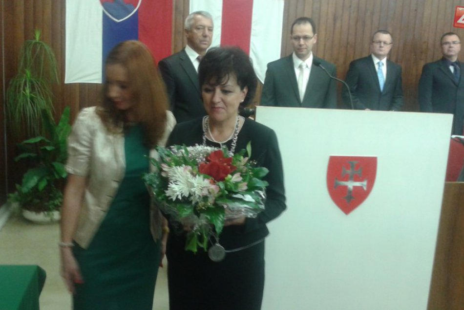 Balkovičová a poslanci zložili slávnostný sľub