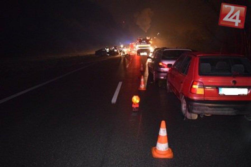 Hromadná zrážka áut neďaleko Zvolena v obrazoch