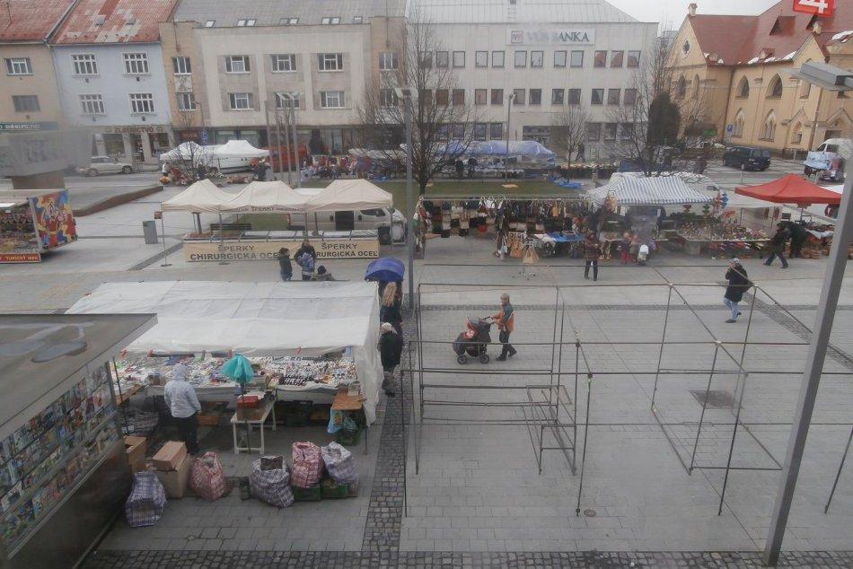 Veľkonočné trhy vo Zvolene: Ľudí je pramálo