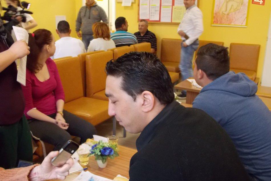 Jedna čakáreň v nemocnici v Spišskej bola plná rómov: Toto sa tam dialo