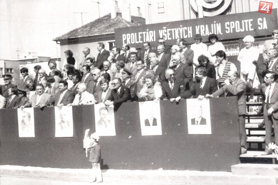 HISTORICKÉ FOTO: Prvomájové oslavné sprievody v Šali