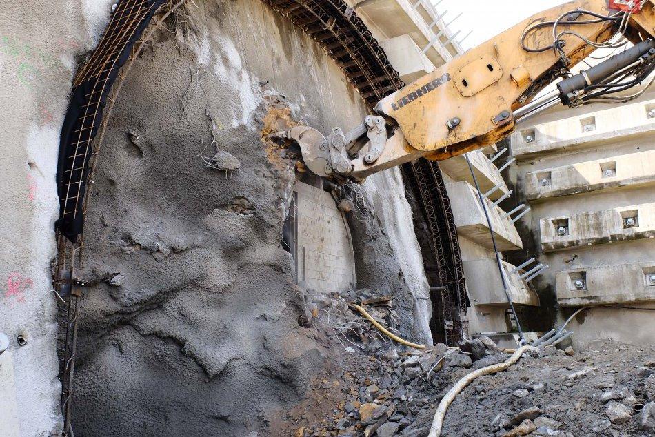Odštartovalo razenie najdlhšieho slovenského tunela Višňové