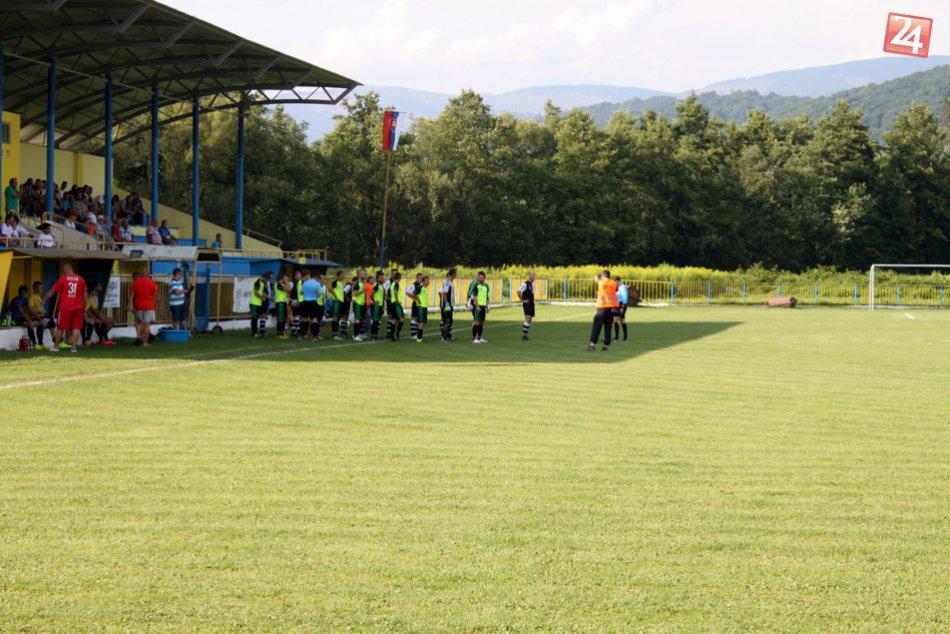 Futbalový zápas Rožňava - Krompachy 3:1 obrazom