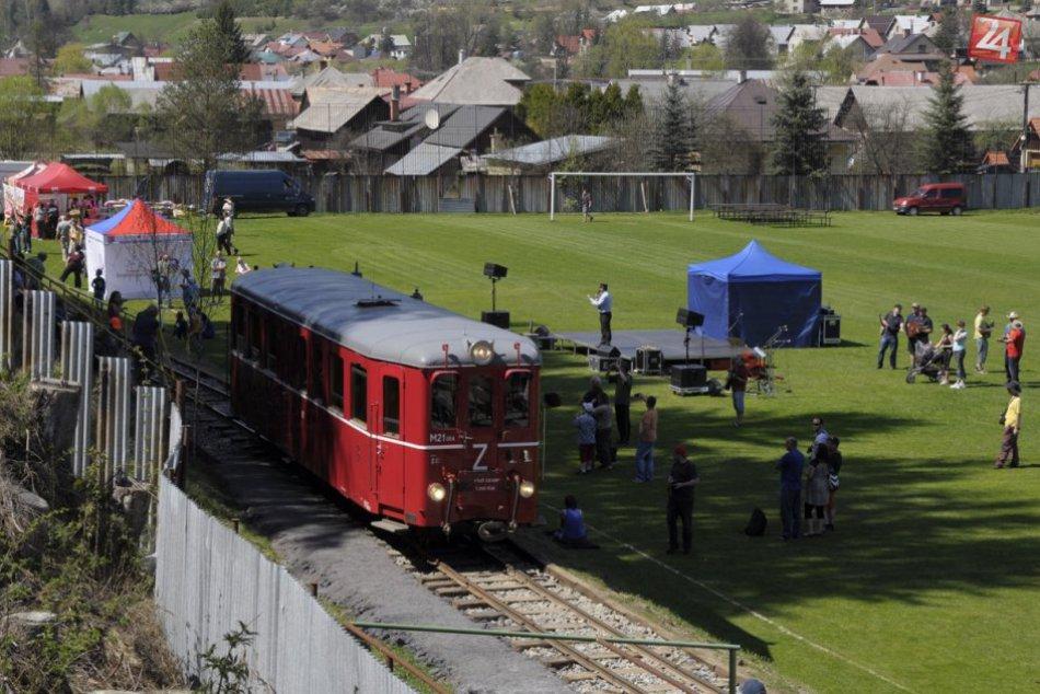 Čiernohronská železnička sa premáva po ihrisku