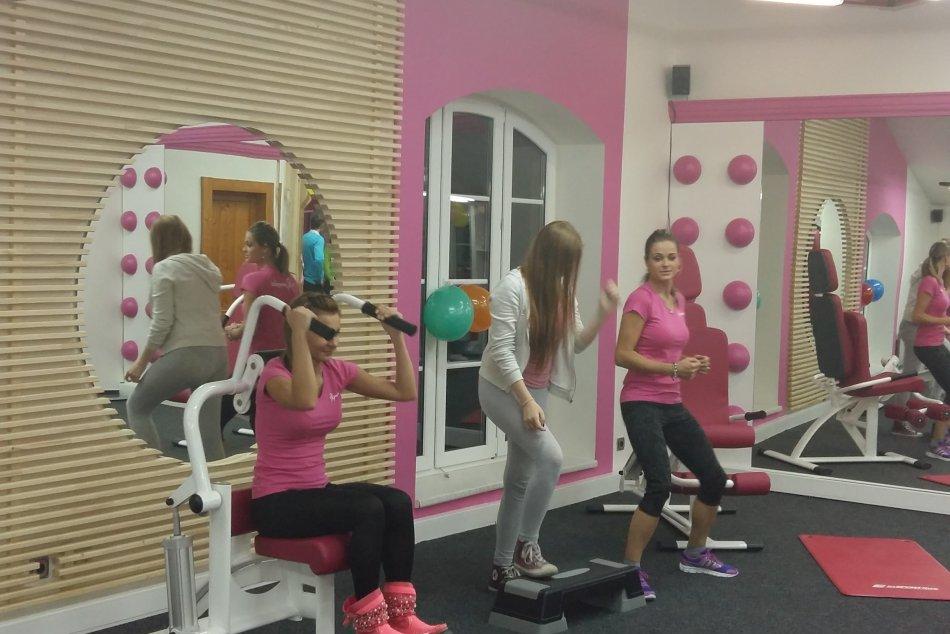 95f61cbd6 Expreska pre zaneprázdnené ženy: Precvičte si celé telo za tridsať minút