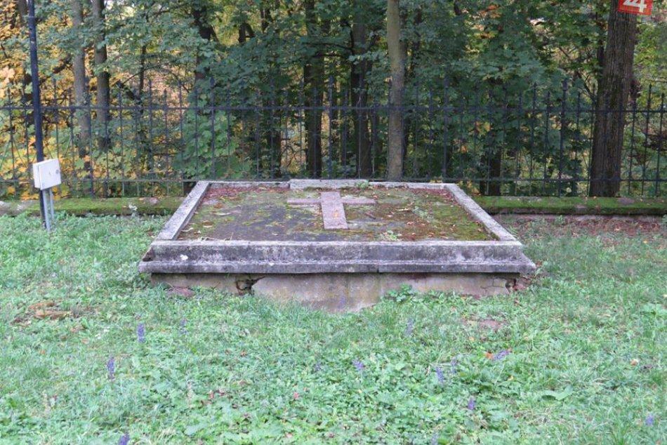 Michalovská kaplnka, rodinná hrobka rodu Sztárayovcov