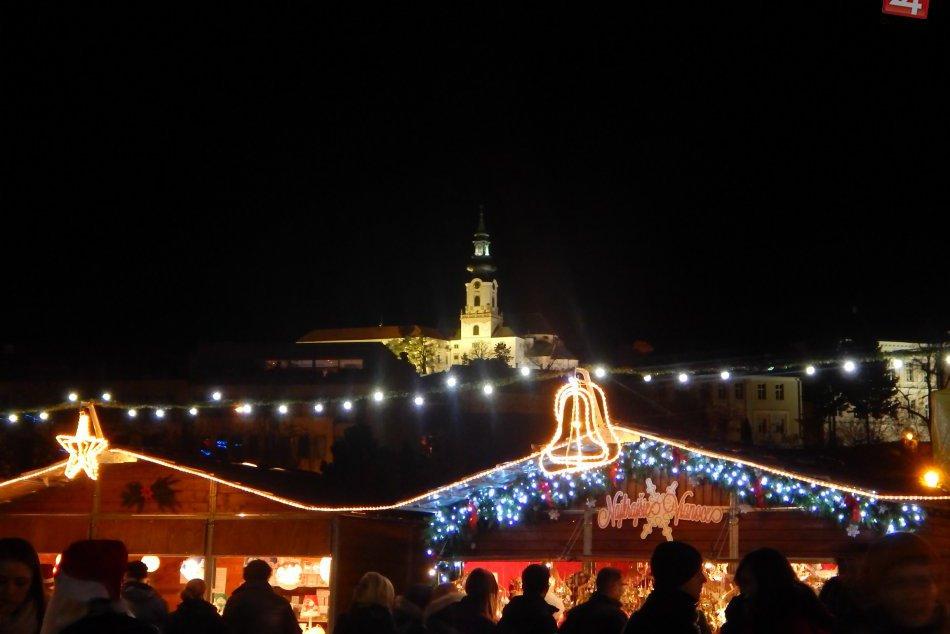 Slováci si užívajú vianočné trhy