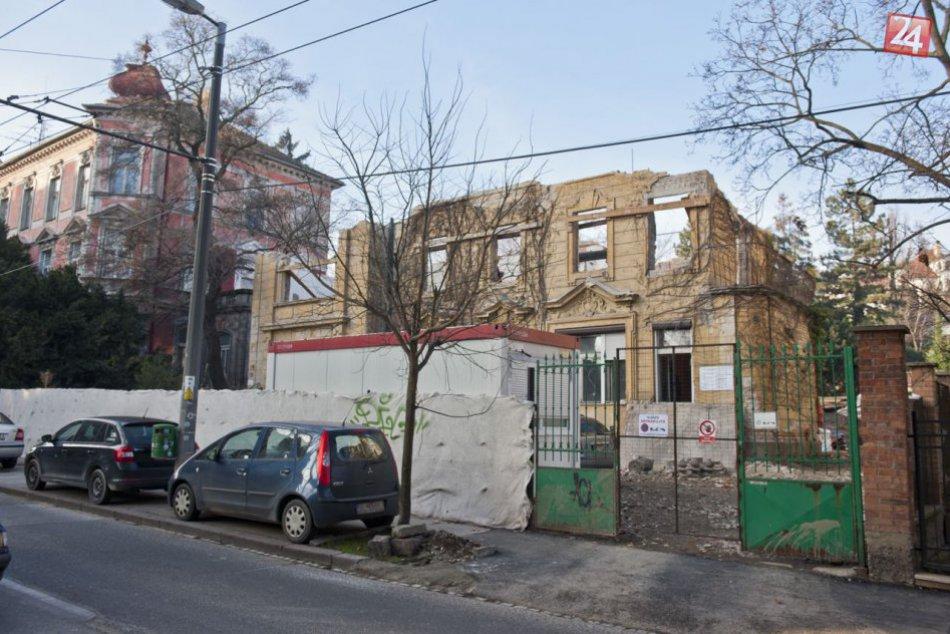 Búranie pamiatkovo chránenej budovy na Palisádach
