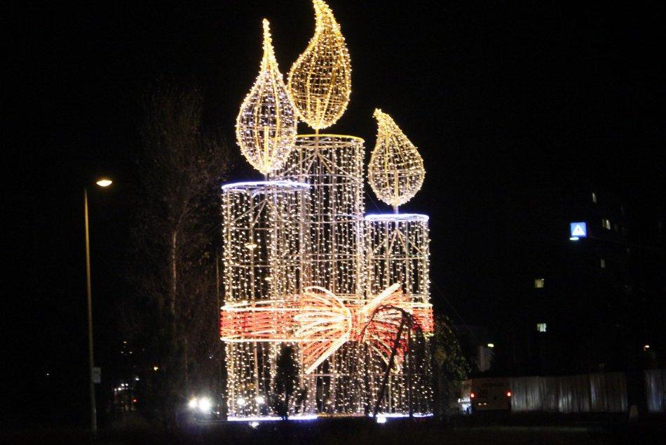 Vianočná výzdoba v Poprade zachytená na fotkách