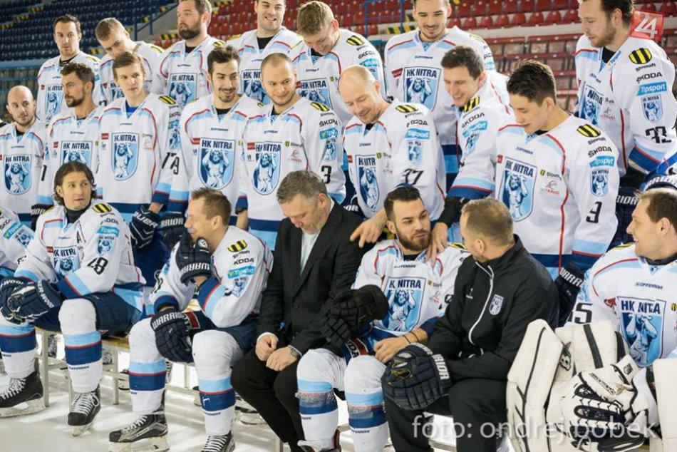 Zábava na ľade, nitrianski hokejisti absolvovali fotenie pred play-off