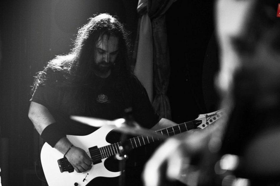 Metalisti z AINT: Zo žiarskej skúšobne na festivalové pódiá