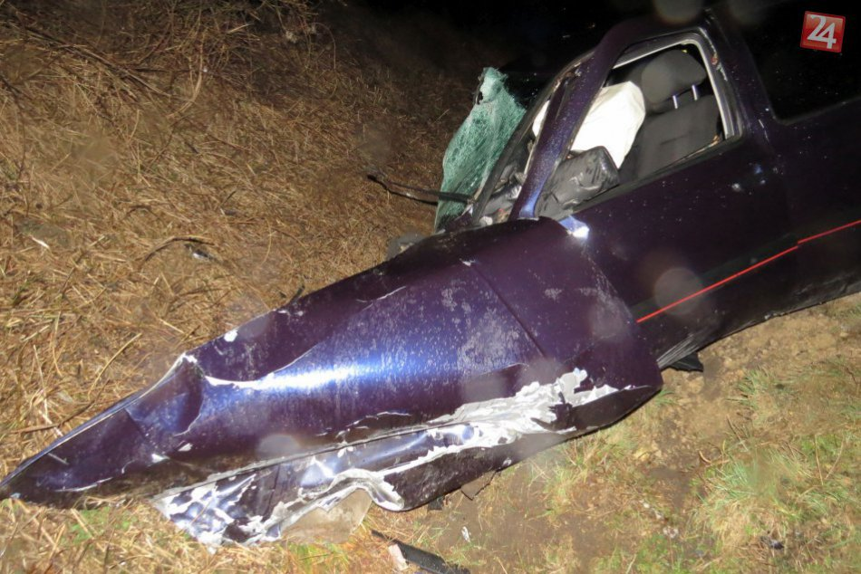 Golf sa zrazil s autom, v ktorom sedela mladá rodina