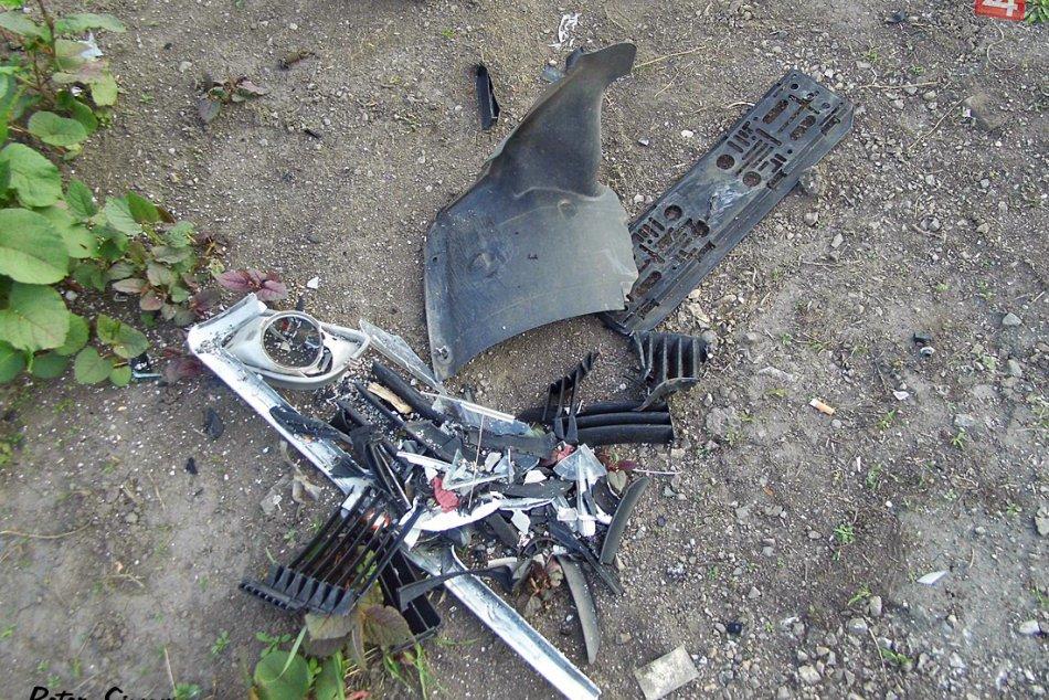 Obrazom: Dopravná nehoda v Plešivci