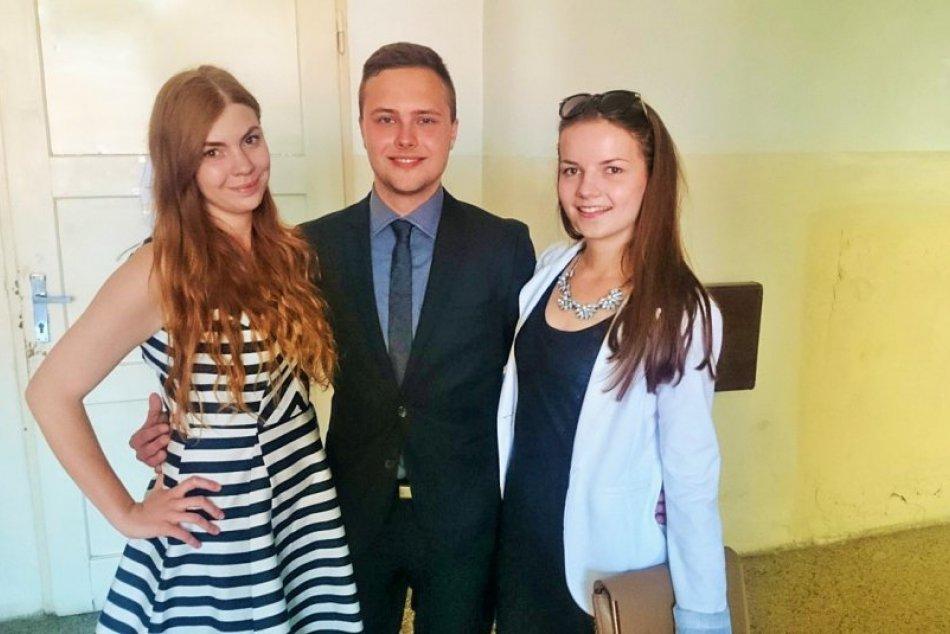 V obrazoch: Na známom gymnáziu v Prešove plynú maturitné skúšky