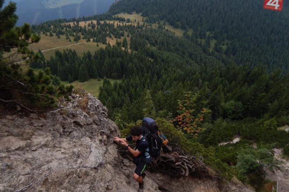 FOTO: Popri vysokoškolskému štúdiu stíha zdolávať pohoria a kopce v okolí