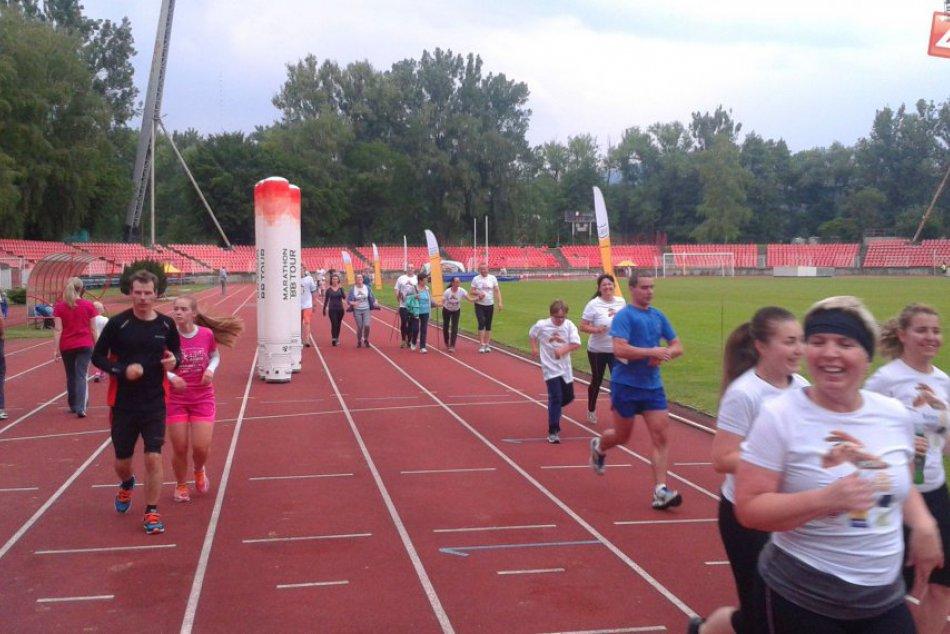 24 hodinový maratón behu v Bystrici. Zábery z obľúbenej akcie