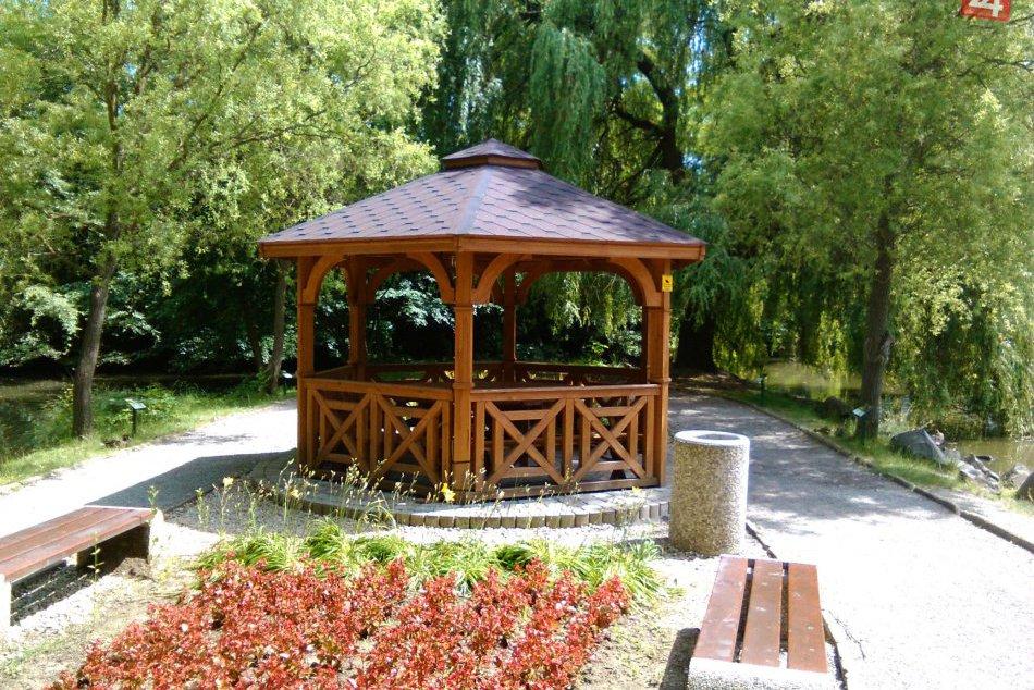 Krásy Mestského parku v Lučenci zachytené v OBRAZOCH