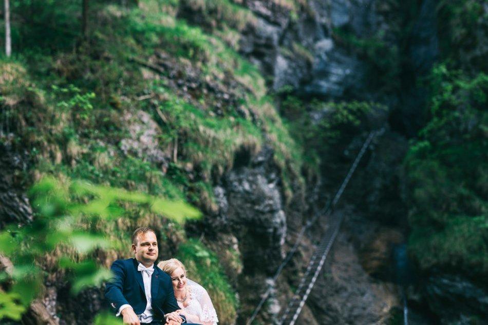 Parádny nápad: Zaľúbenci na Spiši nafotili originálne svadobné zábery
