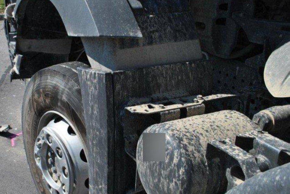 Policajné foto: Zrážku s kamiónom motorkár (†25) neprežil