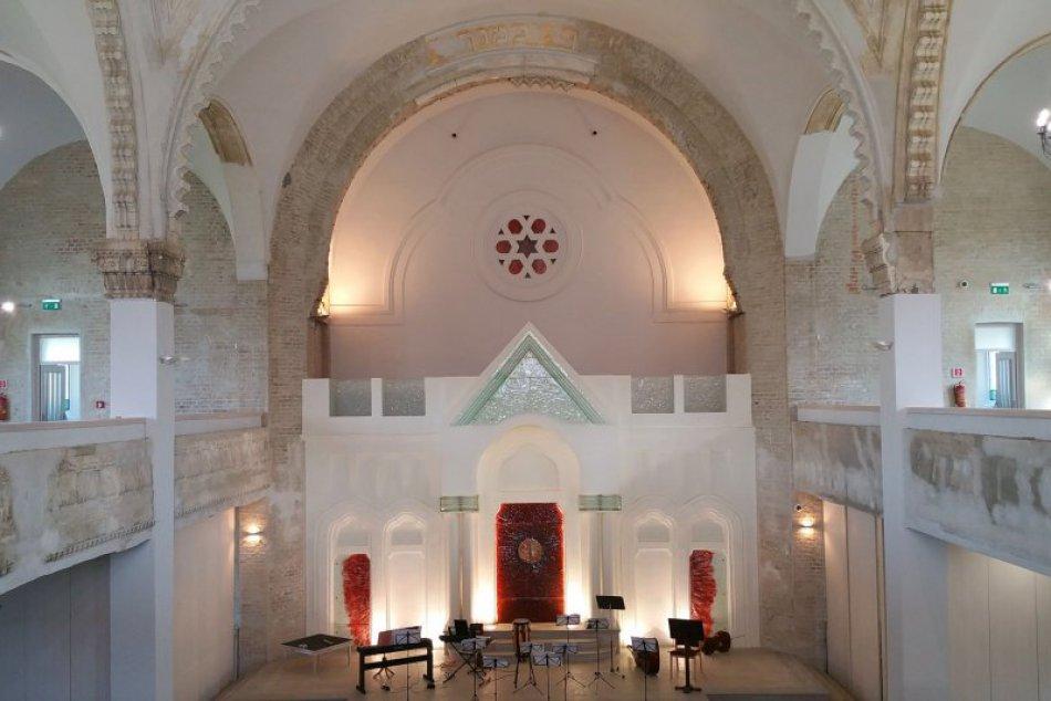 Lučenecká synagóga - pýcha Lučenca v OBRAZOCH