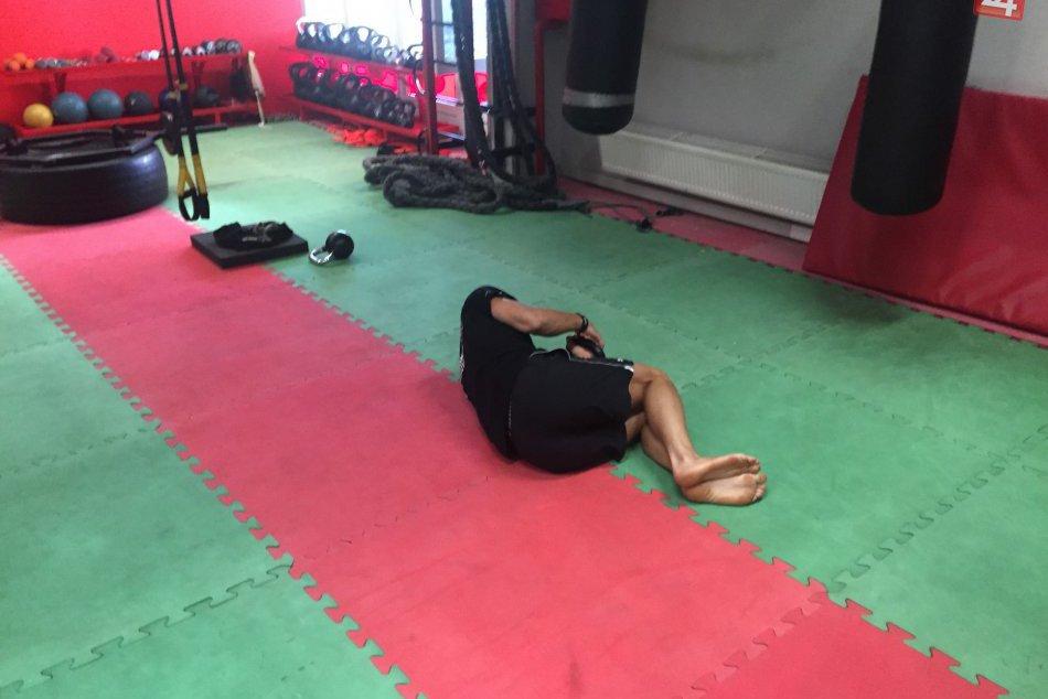 FOTO: Cviky, ktoré vám podľa novoveského trénera nahradia posilňovňu