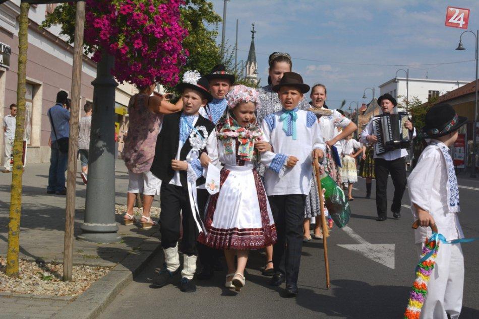 Detská svadba v Lučenci