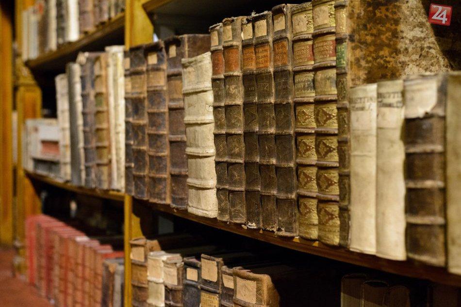 Zaujímavosti Diezécnej knižnice v Nitre: Pozrite sa aké klenoty ukrýva
