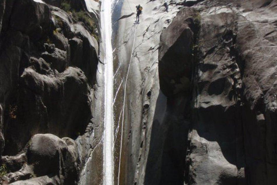 Adrenalínvé zoskoky aj zľanovanie. Takto vyzerá obľúbený šport Mýťana Palvla