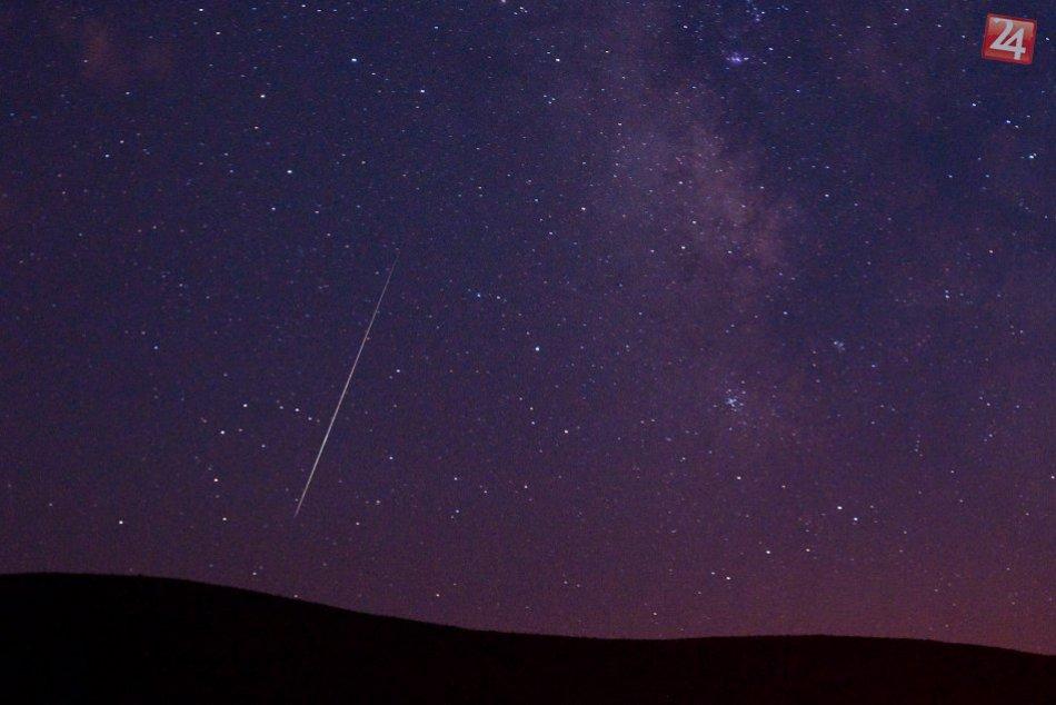 FOTO: Perzeidy na nočnej oblohe