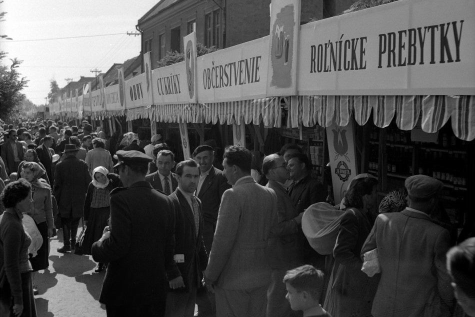 Zábery z archívu: Pozrite si, ako to vyzeralo na trnavskom jarmoku v minulosti