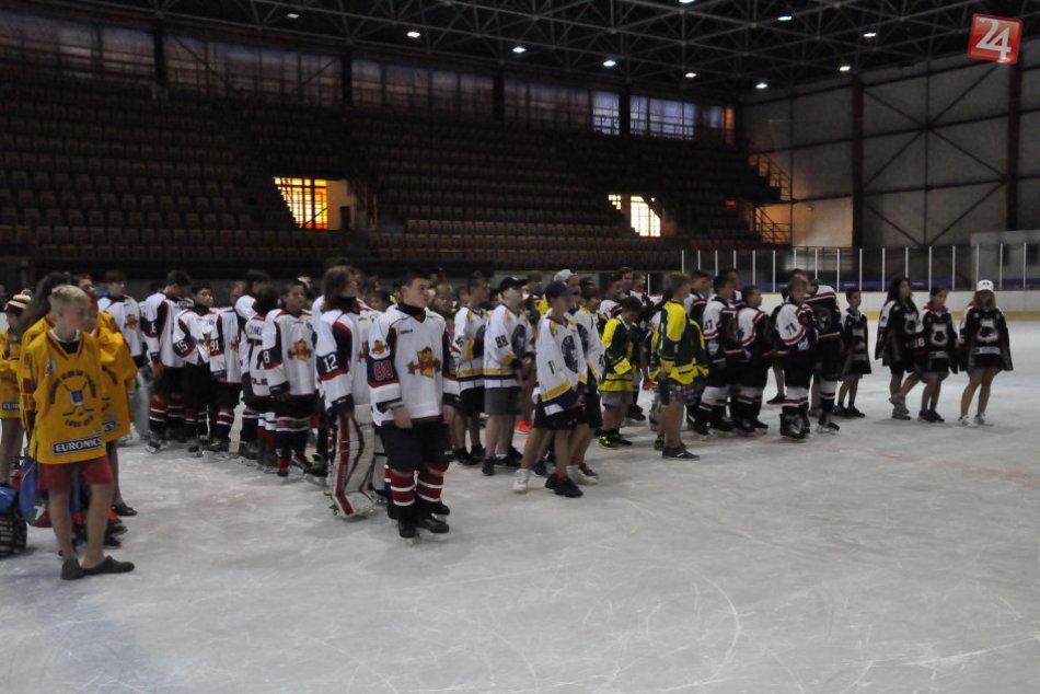 V OBRAZOCH: Mladí lučeneckí hokejisti s parádnym turnajovým úspechom