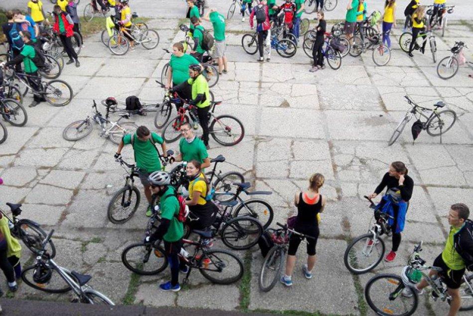 V OBRAZOCH: Bystrickí gymnazisti zažili veľkú cyklojazdu
